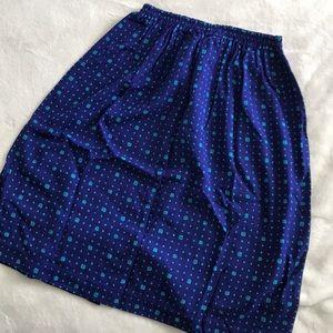 Vintage patterned knee length skirt